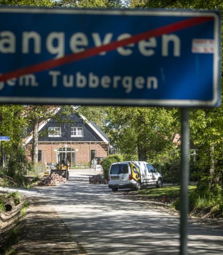Veldboersweg richting knooperf in Langeveen niet langer zandpad vol gaten