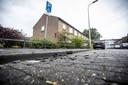 Sporen van de vernieling op de plek waar de rolstoelbus stond. FOTO: Robin Hilberink
