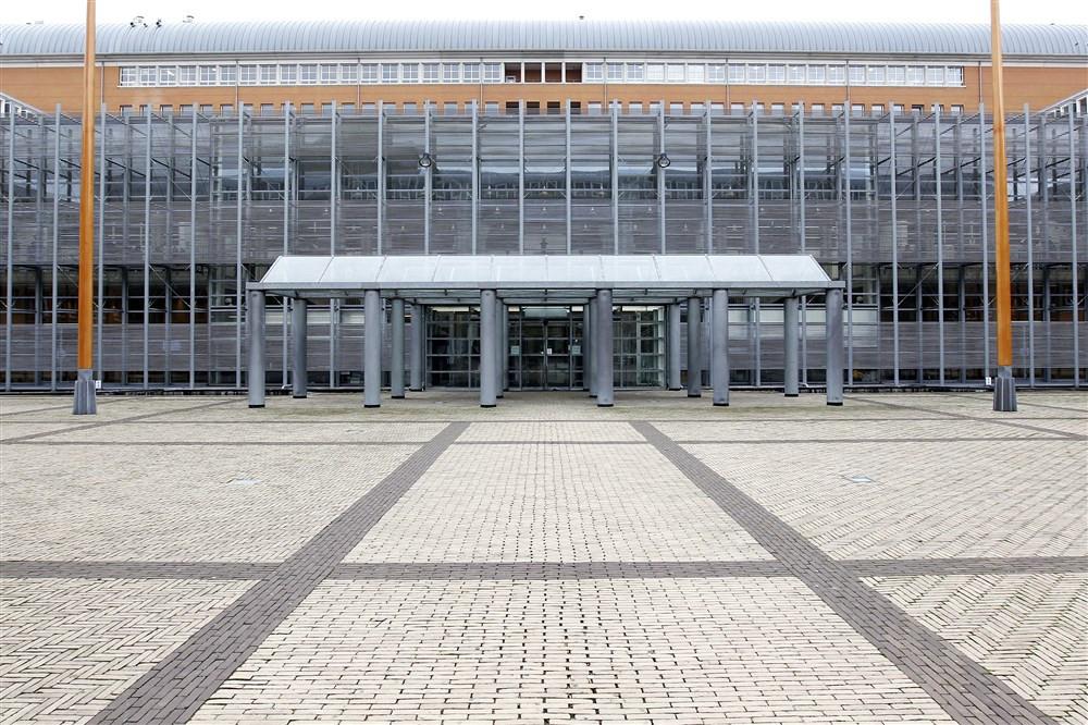 2013-09-18 09:39:10 DEN BOSCH - Exterieur van het Paleis van Justitie in Den Bosch. ANP BAS CZERWINSKI