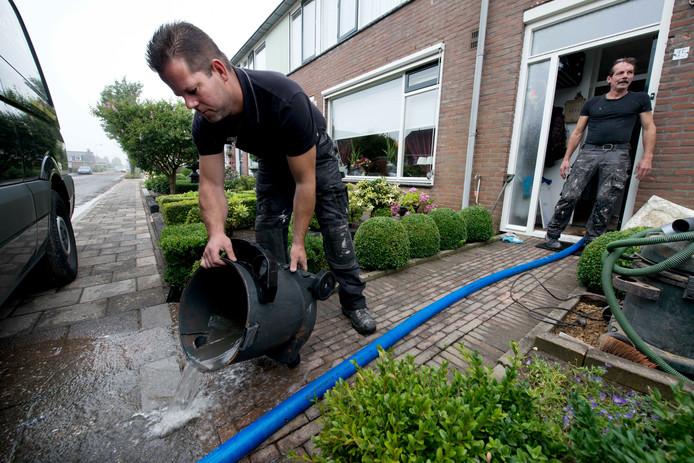 Wateroverlast moet voorkomen worden door een goede riolering. Mede daarom bestaat de rioolheffing
