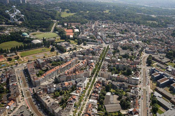 Een voorbijganger had de menselijke resten gevonden op de Eeuwfeestlaan in Laken.