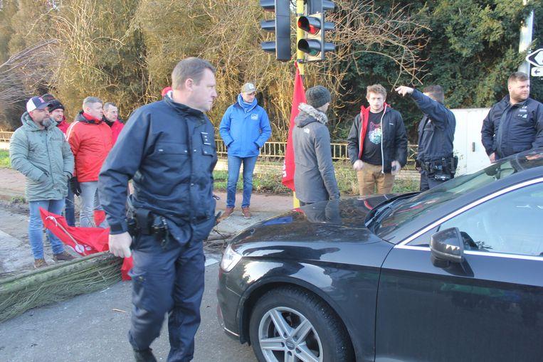 De politie moest verschillende keren tussenkomen omdat sommige automobilisten in discussie gingen tegen de vakbonden.