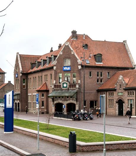 Man door groep mishandeld op station Deventer