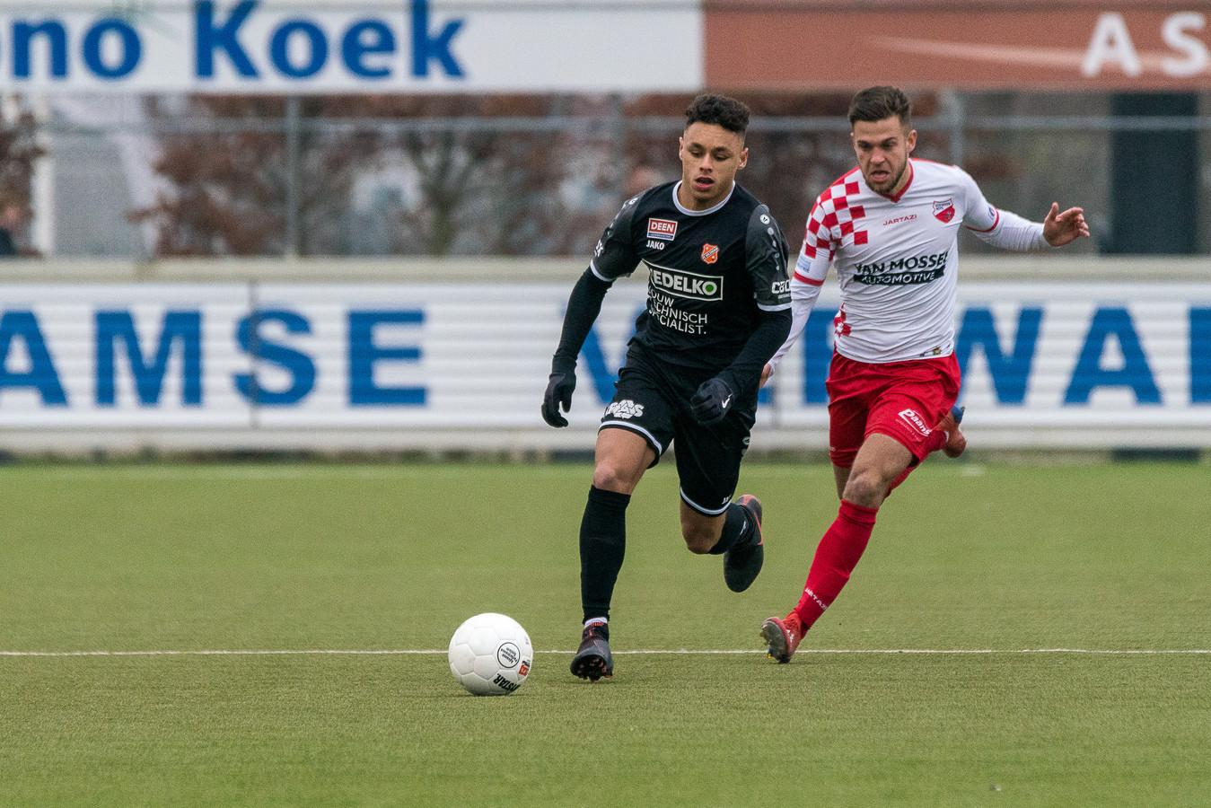 25-01-2020: Voetbal: Kozakken Boys v Jong Volendam: Werkendam 2e divisie Amateurs 20192020 L-R Dean James van Jong Volendam, Mark Veenhoven van Kozakken Boys