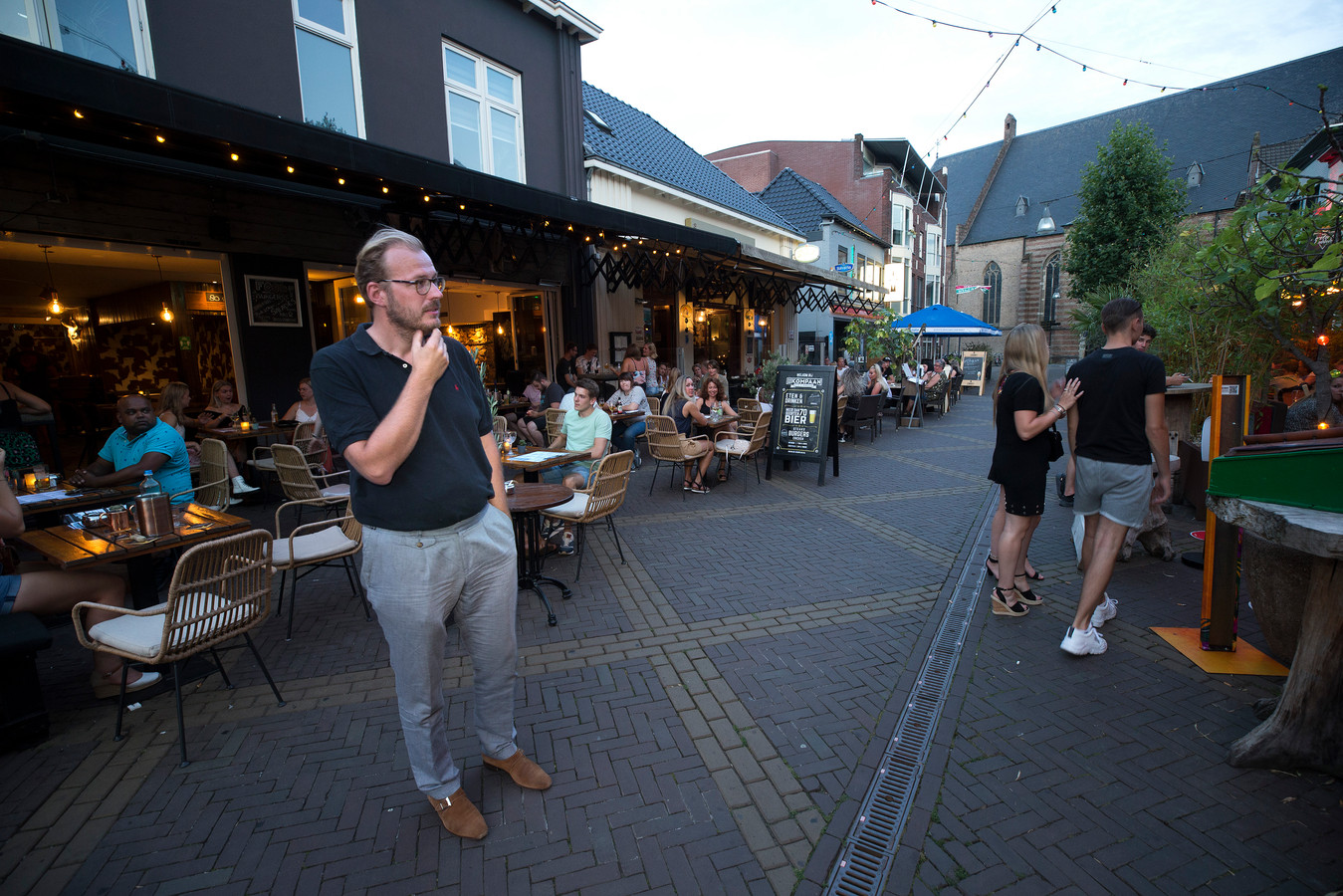 Boumans in uitgaansstraat de Grutstraat.