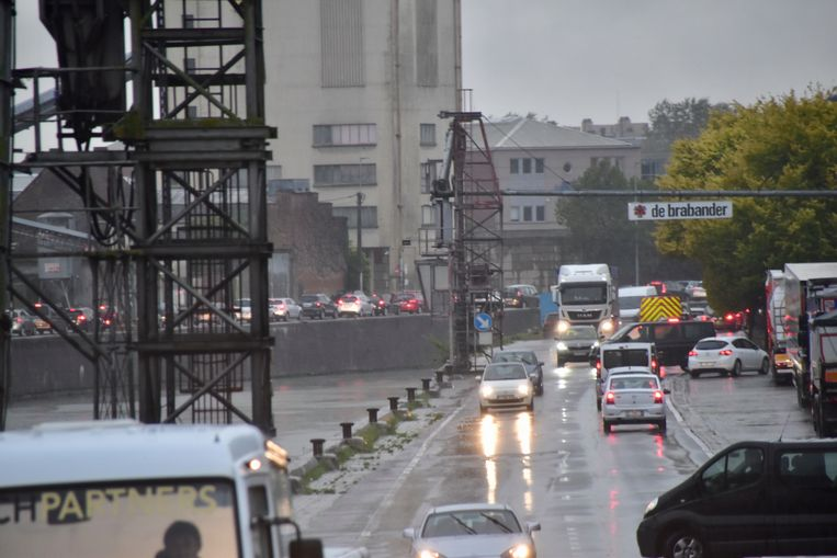Ook de Kaaistraat in Roeselare was oververzadigd.