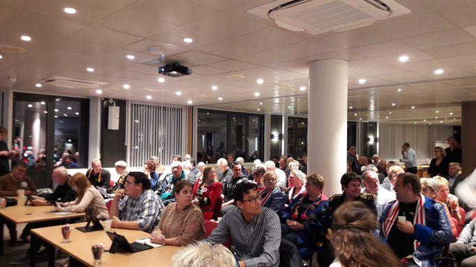 Ruim honderd belangstellenden kwamen donderdagavond naar het stadhuis voor de discussie over toekomst van cultuur in de stad.