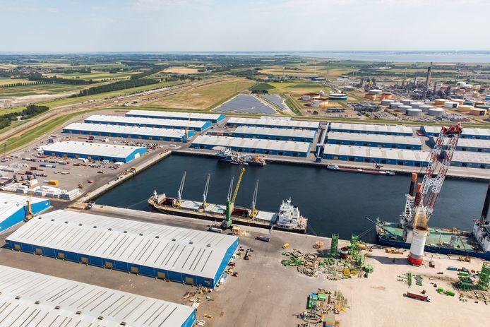 Loodsen van Verbrugge aan de Scaldiahaven in Vlissingen-Oost.