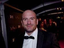 Dean Saunders maakt 2000 euro over aan 'wraakvader'