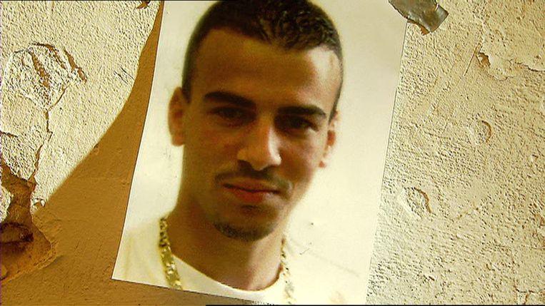 Een foto van Ashraf Sekkaki uit 2003 toen hij 20 jaar was. Sekkaki werd bekend toen hij in 2009 uit de gevangenis van Brugge ontsnapte dankzij trawanten die een helikopter hadden gekaapt. die een helikopter hadden gekaapt.