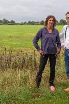Streep door plan voor woning op historische grond in Zwartewatersklooster
