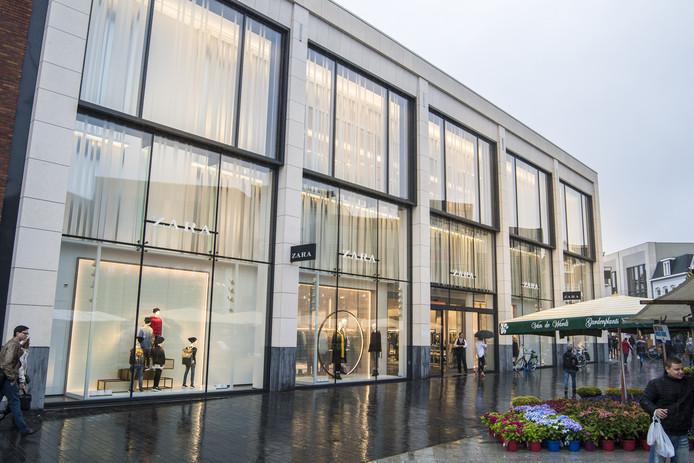 De nieuwe Zara heeft volgens de jury van de vastgoedprijs de loop in de binnenstad van Enschede veranderd.