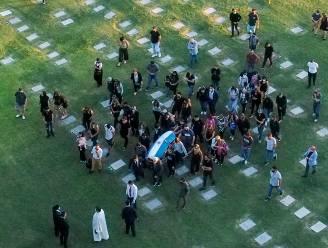 Een laatste adiós: Diego Armando Maradona begraven naast zijn ouders in 'Tuin van de Vrede'