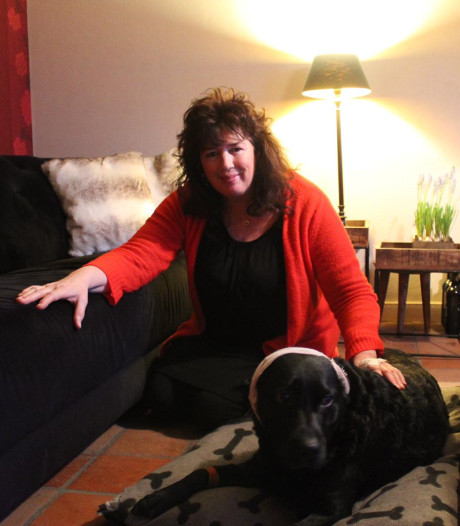 Annetta werd aangevallen door 4 'pitbulls' en vluchtte de zee in