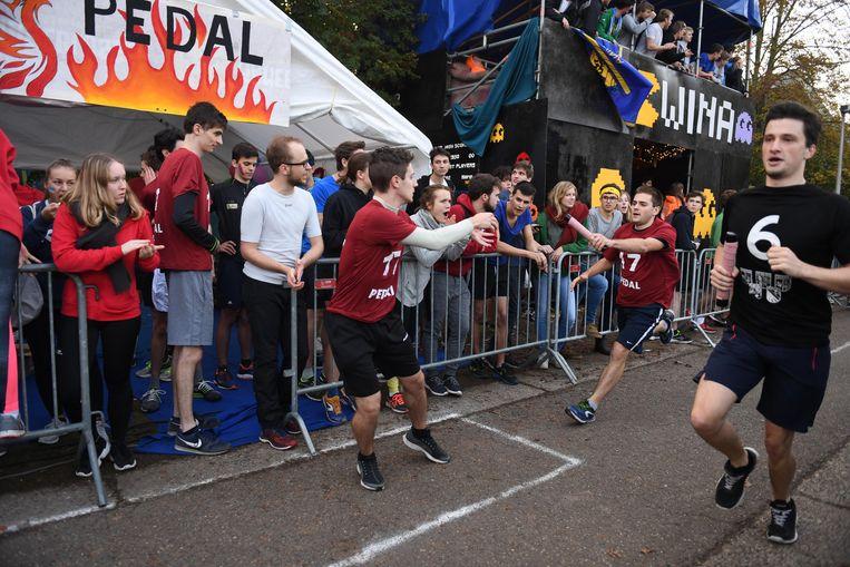 De 24 urenloop is één van de populairste evenementen bij de Leuvense studenten.