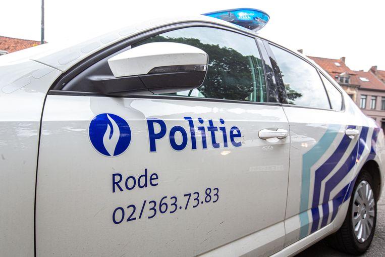 De politie pakte in de buurt van het station van Sint-Genesius-Rode twee  inbrekers op.