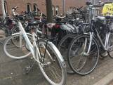 Pas op: handhavers verwijderen foutgeparkeerde fietsen in Nijmegen