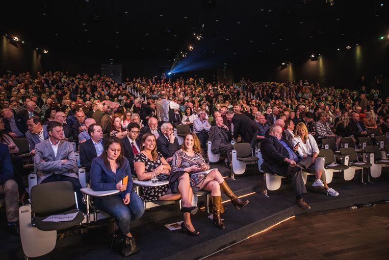 Het Vlaams Belang lokte alvast het meeste volk naar zijn verkiezingscongres in het ICC op zaterdagmiddag.