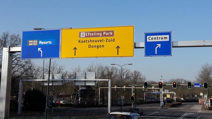 Richtingsborden voor de kruising van de Horst met de Europalaan naar de Efteling.