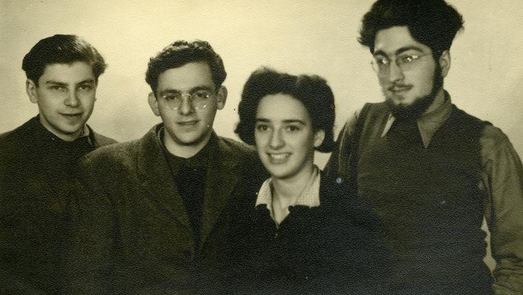 Jaap Pruijm, Samuel Rudelsheim, Marty van Collem en Jacques Kaas op de Exodus richting Palestina Beeld Privécollectie Jaap Pruijm