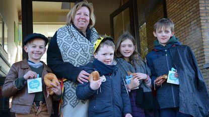 Basisschool Karmelieten gooit met krakelingen