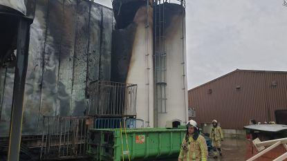 Houten paletten, juten zakken en twee silo's vernield na brand bij SAS Koffie