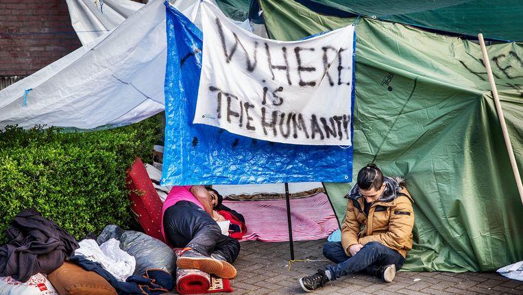 Asielzoekers bij de noodopvang in de Havenstraat zijn in hongerstaking gegaan vanwege de asielprocedure Beeld Jean-Pierre Jans