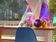 Creëer thuis je eigen feestje met discoballen als decoratie