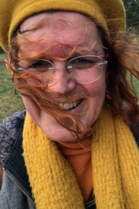 Emma (58) schreeuwt transitie van de daken: 'De operatie is niet wat mij vrouw maakt'