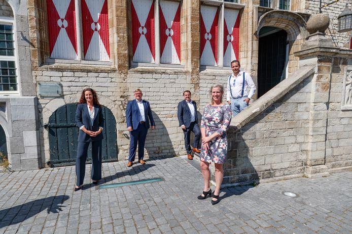 Dit nieuwe college moet Bergen op Zoom financieel en bestuurlijk uit het slop trekken. Volgens het Focusakkoord dat de Bergse politiek schreef, is gemeentelijke herindeling geen taboe. Maar welke 'buren' zouden dat willen?