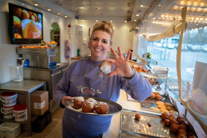 En dat is vijf. Bianca Jansen Hachmang zag haar oliebollen voor het vijfde jaar op rij bekroond met het stempel goud door het Nederlands Bakkerij Centrum.