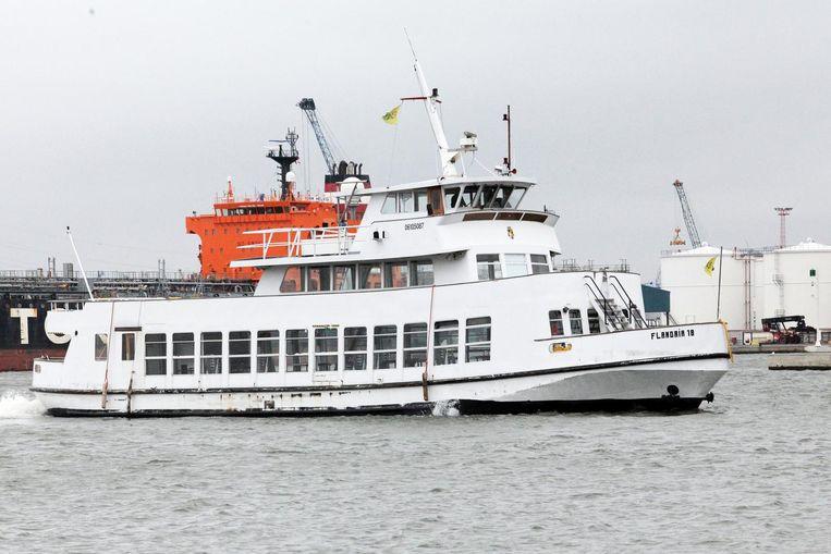 De Flandria 18: 35 meter lang en goed voor 300 passagiers. De instelprijs bedraagt 22.500 euro.