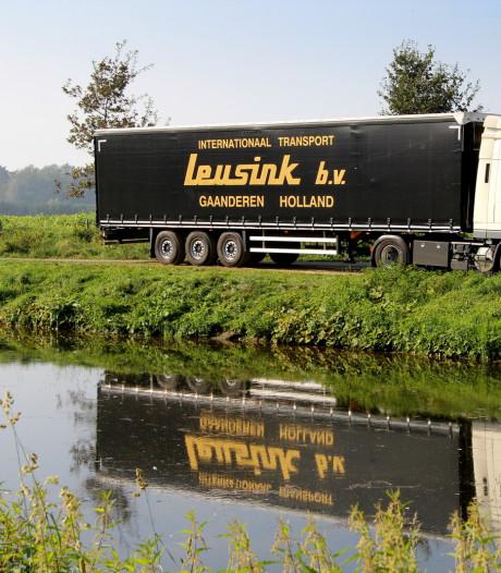 Transportbedrijf Leusink uit Gaanderen opnieuw failliet; zo'n 45 werknemers op straat