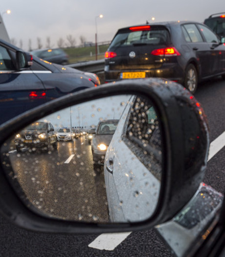 File op A4 richting Amsterdam na ongeluk