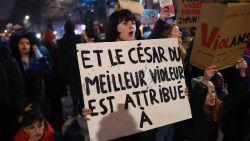 """Protest tegen Polanski: """"En de prijs voor beste verkrachter gaat naar..."""""""