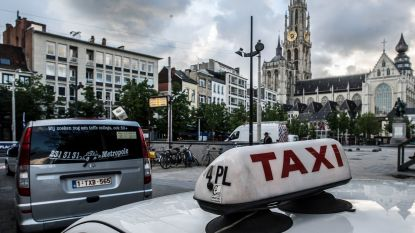 Elke taxichauffeur in Vlaanderen moet voortaan Nederlands kunnen spreken met zijn klanten