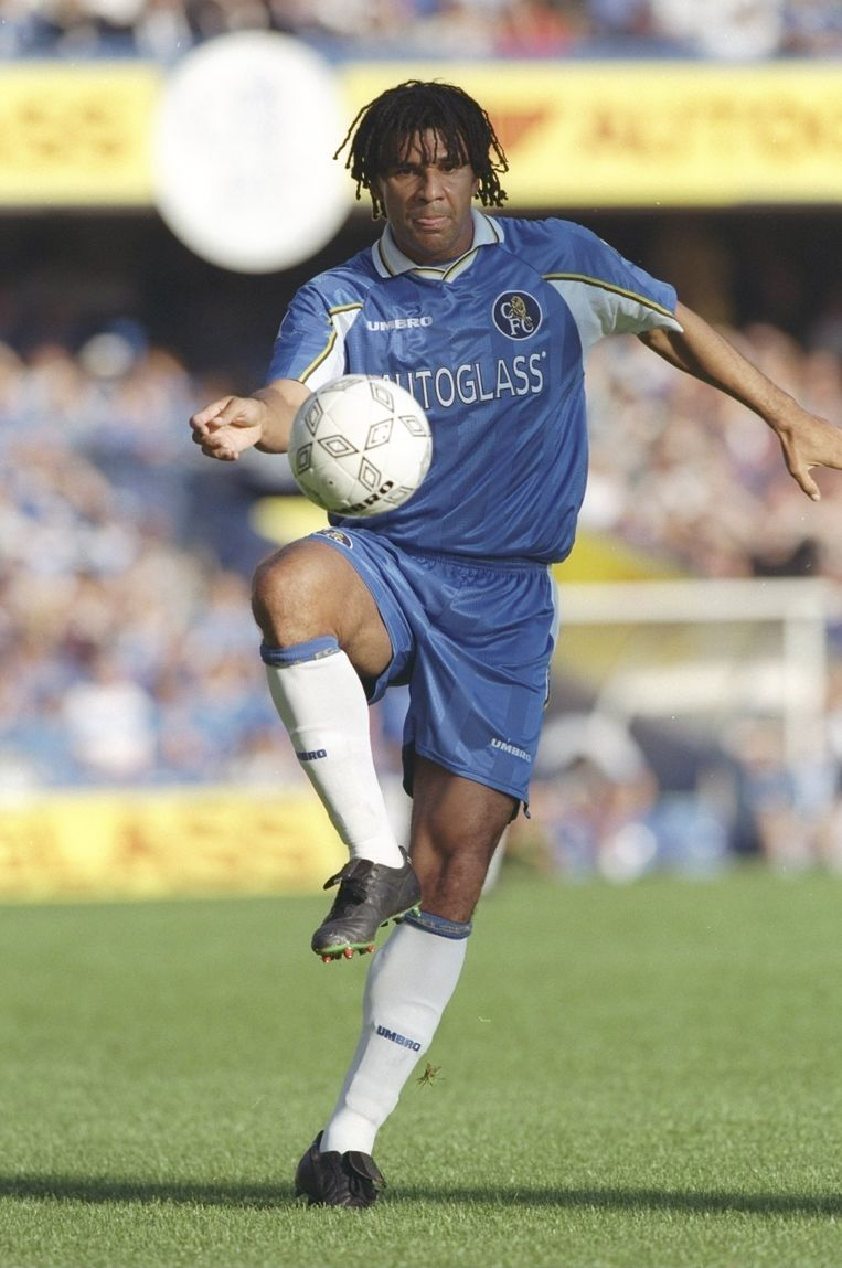 Ruud Gullit als speler van Chelsea. Beeld Getty Images