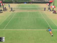 Japanse tennisster doet tussendoor even wat oefeningen
