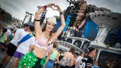 IN BEELD. Van diep gedecolleteerde elfjes tot roze nonnen: dit zijn de meest opvallende outfits op Tomorrowland