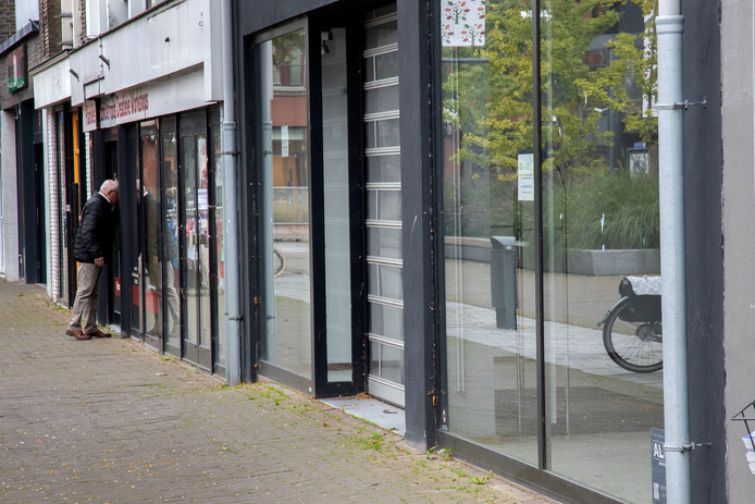 Ook in winkelcentra De Corridor en De Kerverij staan veel panden leeg.
