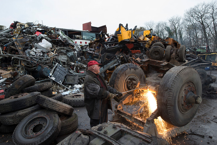 Het recyclebedrijf Verhaegh Trading op Dennenoord.