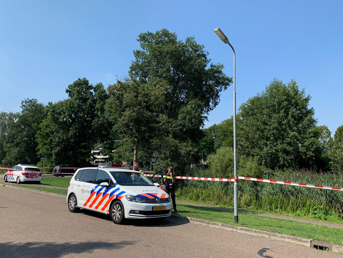Dode aangetroffen in het water bij de Mozartsingel