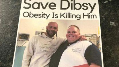 """Trainer van Darren (254 kg) verspreidt flyers in afhaalrestaurants: """"Verboden deze man te bedienen"""""""