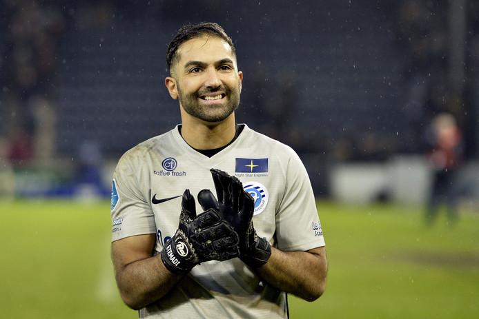 Agil Etemadi in het shirt van De Graafschap.