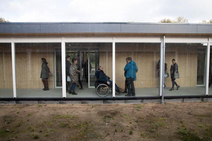 De bezoekers konden een kijkje nemen in de nieuwe hospice.