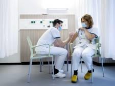 Vaccinatiebereidheid na prik hoog: twijfelaars maken zich zorgen over veiligheid en bijwerkingen