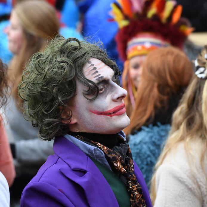 Sommige mensen waren ook verkleed als filmsterren, zoals de joker.