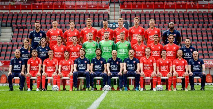 De selectie van FC Twente levert salaris in.