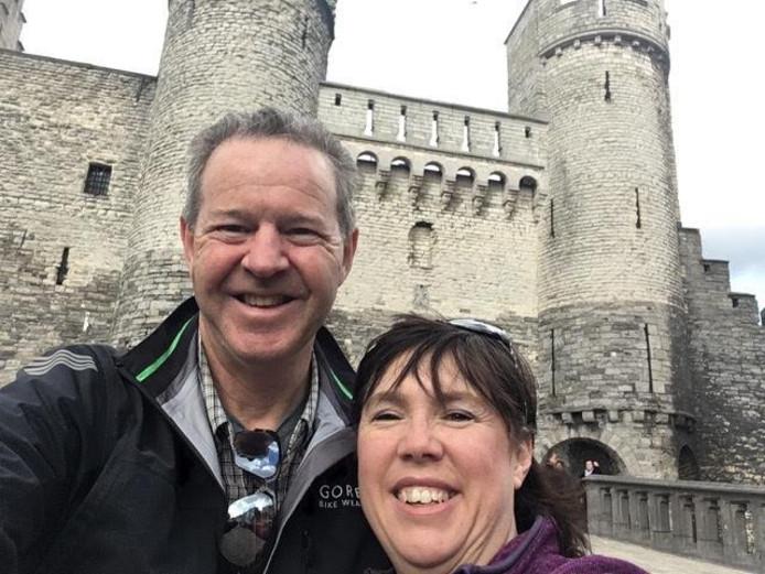 Een selfie in Brussel van Pete en Leanne Bentley uit Sydney tijdens hun vakantie in Europa.