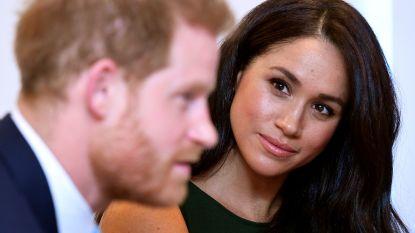 """Paleismedewerkers klappen uit de biecht: """"Harry en Meghan kondigden exit aan bij de Queen via mail"""""""